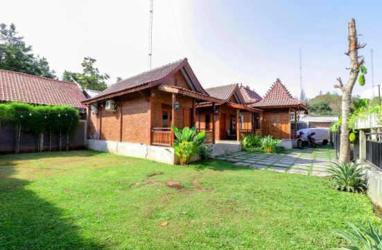 Omah Teras Bata Guest House